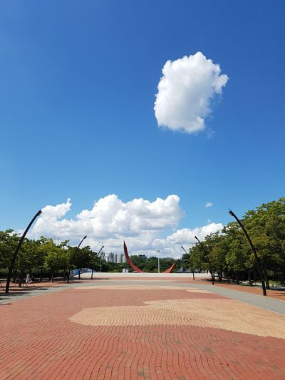 a cloud EyeEm Gallery Olympic Park  Memorial Statue Autumn Square Blue Sky Cloud - Sky