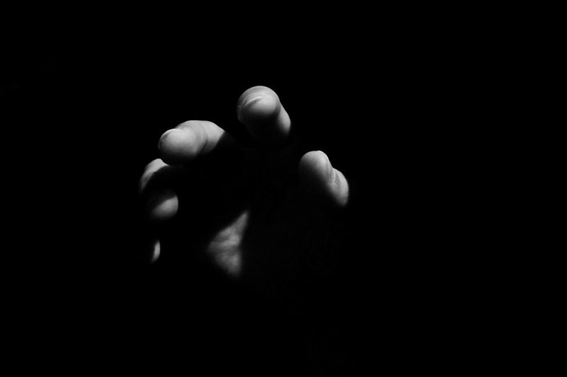 Reach out. Take hold. Xwphotography Amateurphotography Agameoftones Gameoftones Visualsoflife EyeEmMalaysia Blackandwhite Photography Blackandwhite Monochrome _ Collection Monochrome Contrast Close-up Black Background Human Body Part Indoors  Fragility Nature