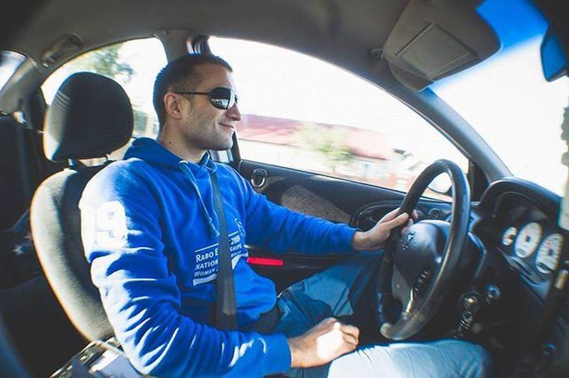 Friend Friends Car Dodge InMotion Inmove Men Man Sunglasses Smile Colors Inside Fisheye Funny Fun Nikon Nikon_photography_ Photography Photo