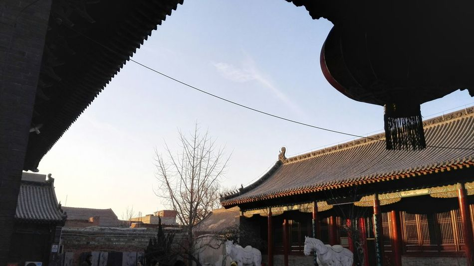 Blue Sky Taking Photos Mobile Photography From My Point Of View Outdoors Exhibition Rooms Roof Sun Lantern China Culture 城隍庙。民间摄影展。