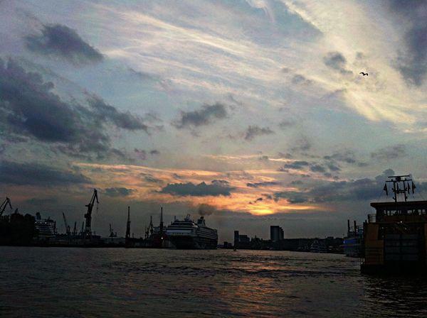 Hamburger Hafen Sky Porn Sky And Clouds