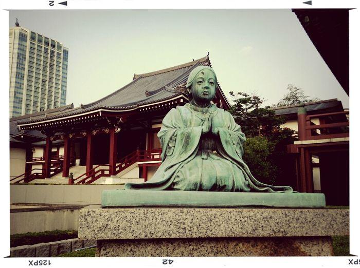 Travelphotography Tokyo Temple Ladystatue