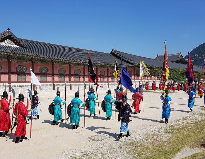 Palace Guards Practise Session Gyeongbokgung Palace, Seoul Korean Culture Seoul Streetphotography Streetphotography Tripwithson2017 Trip To Seoul Seoulspring2017 Seoulmay2017 Seoul Southkorea
