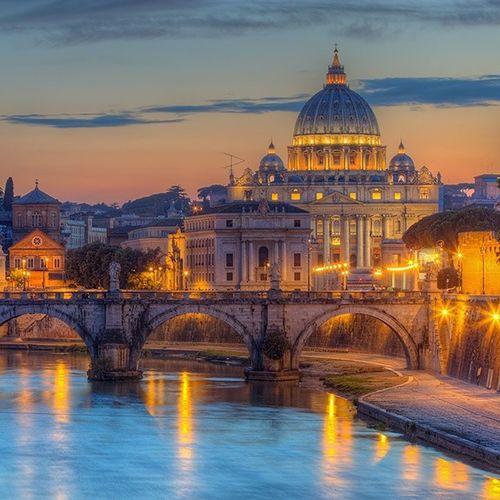 Tradycją wizyt w Rzymie stało się pożegnalne nocne zdjęcie z mostu Umberto I z widokiem na Most Świętego Anioła oraz Bazylika Świętego Piotra. Czas pakować walizki i wracać do domu. Może kiedyś tu będzie nasz dom... kto wie. Buonanotte. Rome Night Vaticano SantAngeloPonte HDR