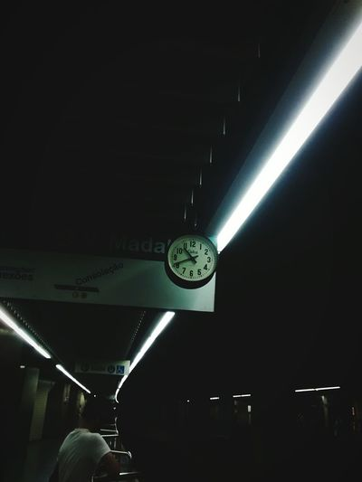 tic tac... 🕤 Places Around The World Daytime Photography Photo Shoot Metro Station Metro Photo Station Platform Station Clock Illuminated Minute Hand Electric Light Architectural Design