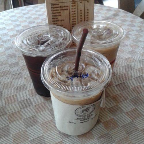 ใครนัดหทัยพรรณ ..รอ 3/8 > เติมน้ำมันคนแป๊ป ' หมด 3 แก้วนี้จะไปทันที ☕ Coffee Coffeemania Pangkhon Pangkhoncoffee pangkhoncoffeebuarawongcrossroads espresso americano latte