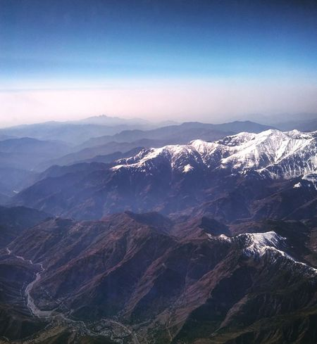Between the sky and the land Sky Flying Mountains MountainViewBeautiful Morning Flight