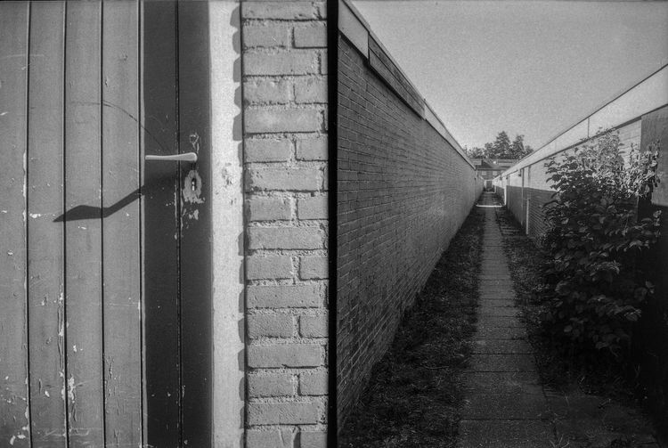 """the hallway"" With the PMC automatic rapid is a nice little camera that was produced in Japan in 1965. Look at a different world #ishootfilm #filmshooters #keepfilmalive #35mm #staybrokeshootfilm #filmisnotdead #photofilmy #lensculture #landscape #fujica #filmfeed #filmcommunity #buyfilmnotmegapixels #pointandshoot #lausanne #landscape #lacleman #lakegeneva #00si00 #bnw_society #bnwphotography #compactcameraclub #bnw_switzerland #ricohgr #ilford #film #believeinfilm #montréal #analogphotography #analoguevibes Ishootfilm Keepfilmalive Photofilmy Buyfilmnotmegapixels Bnw_society Compactcameraclub Filmshooters Pointandshoot Bnwphotography 35mm Filmisnotdead Believeinfilm Analoguevibes Analogphotography Analoge Old Old Buildings Staybrokeshootfilm Filmfeed Building Exterior Built Structure Close-up Spiral Staircase Steps Railing Steps And Staircases Spiral Fire Escape Staircase Stairway"