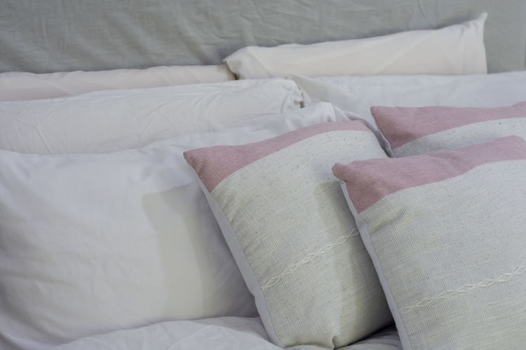 natural pillow Bed Furniture Textile White Color Indoors  Bedroom Pillow Sheet Domestic Room Linen No People Comfortable Home Interior High Angle View Close-up Blanket Still Life Cozy Softness Cushion Clean Duvet