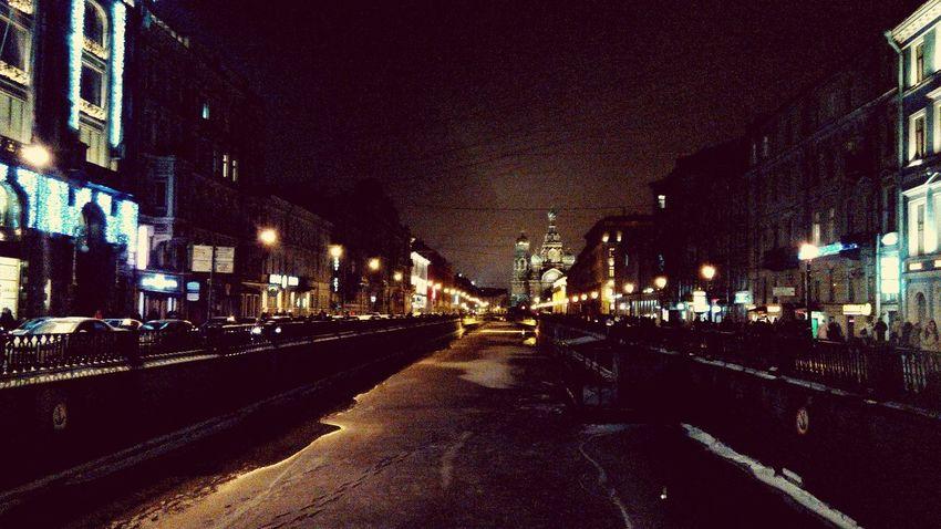 Night New Year Saint-Petersburg Vanishing Point River Light