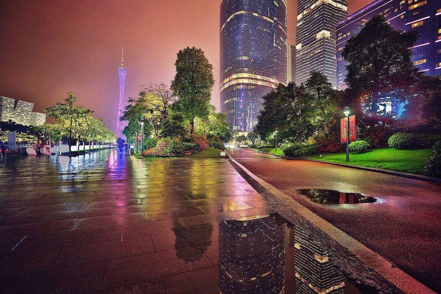 再发几张昨晚拍的珠江新城吧😜Guangzhou,China. Spring Night Lights Night Beautiful Day China Urban Geometry