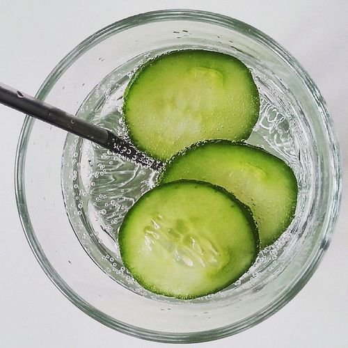 Let's eat Healthychoices Health Healthy Food Foodporn Healthyfood Cucumber Cucumberwater Drink Sparkling Water Fit No Calories Zerocalories Instapic Instaphoto Instameal Instapic Instapicture Instafood Photo Photooftheday Photographer Photography fun abs diet