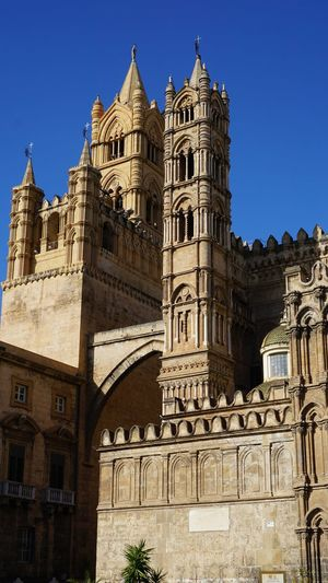 Towers. Cathedral of Palermo. Palermo, Sicily, Italy. Sony A6000 Sonyalpha Photo Photography EyeEm Best Shots Photographer Sony Italy Sicily Palermo EyeEm Selects Palermo Cathedral Cathedral Palermo Light And Shadow Shadow Archs City History Clear Sky Sky Architecture Building Exterior Statue Sculpture Cathedral Catholicism Church Place Of Worship Christianity Temple
