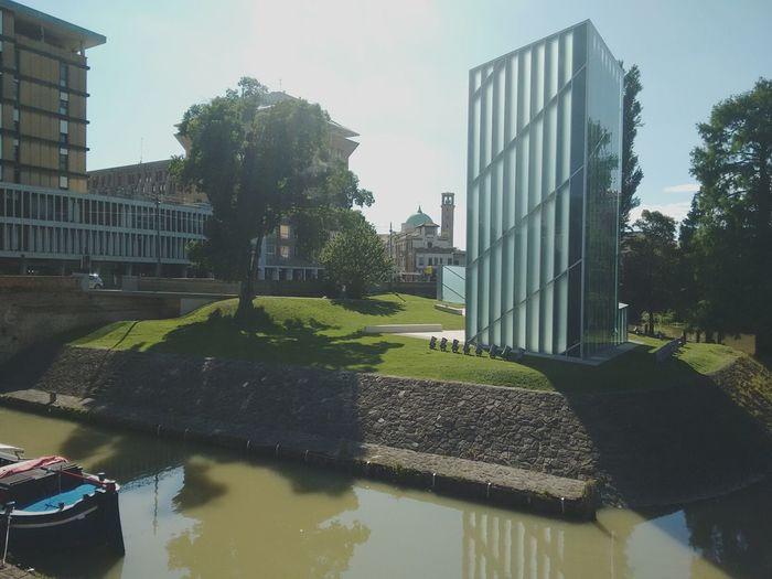 Padovacity Architecture Sun River Boat Garden