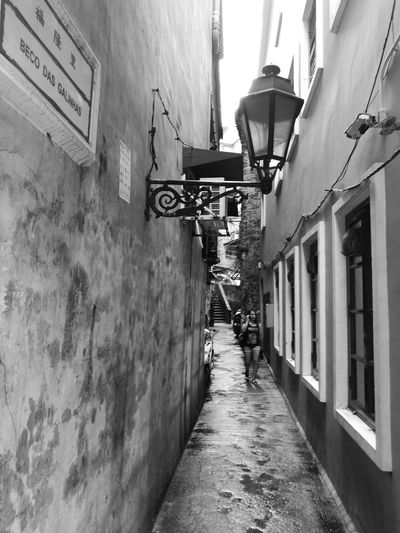 Nostalgic Place Laneway Travel Endlessly Wandering Around Aimlessly EyeEm Gallery Photograph Like Painting Huaweiphotography ASIA Asian Cities HuaweiP9 Art Is Everywhere Wanderlust Eyeem Macau Monochrome Photography Black & White Photography Monochrome Raining