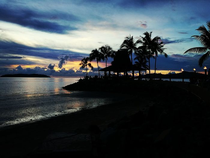 There's no sunset, but the sky's always pretty Sea Sunset Beach Travel Destinations Sky Scenics Horizon Over Water Sunsetbar