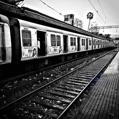 Localtrain Mumbai Thane Railwaystation Train Zenfone Zenreflection Asus Train Traveling Art Instagood RainyDay Blackandwhite Photooftheday Beautiful Sky Instadaily City Ig_india Repostingindia _soi Ig_maharashtra Willfeatureyou Zenfoneglobal
