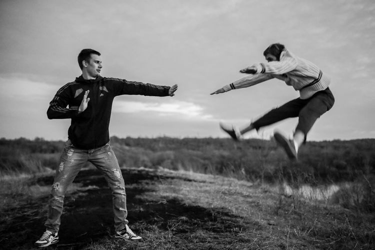 Hit Individual Air The Battle Day Full Length Two People Young Adult BYOPaper! The Creative - 2018 EyeEm Awards 10 This Is Strength