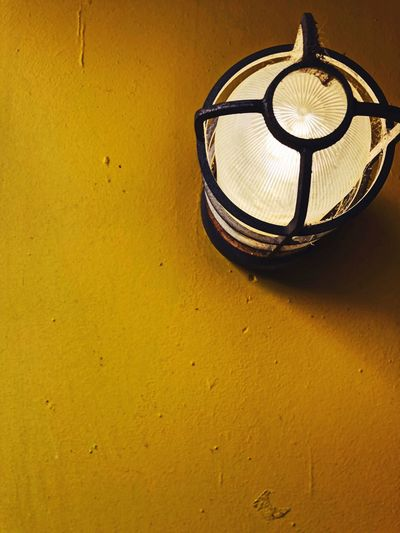 💡 No People Indoors  Yellow Close-up Day