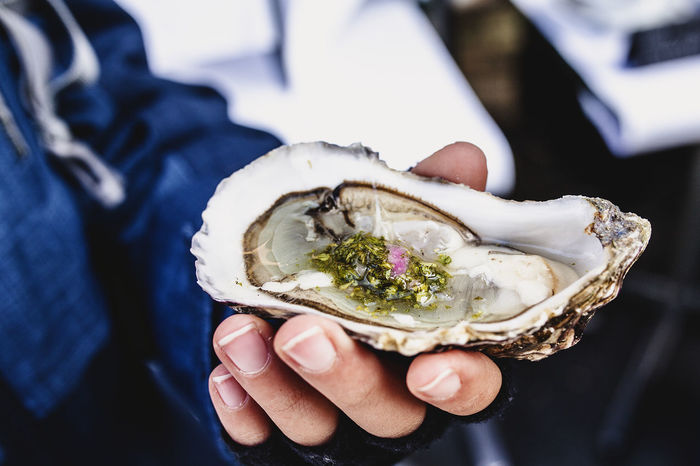 Oyster Seafood Child Hand Close-up Day Food Food And Drink Fresh Freshness Healthy Eating Healthy Food Holding Human Hand Mule Outside Oyster  Raw Food Ready-to-eat Vinegrette