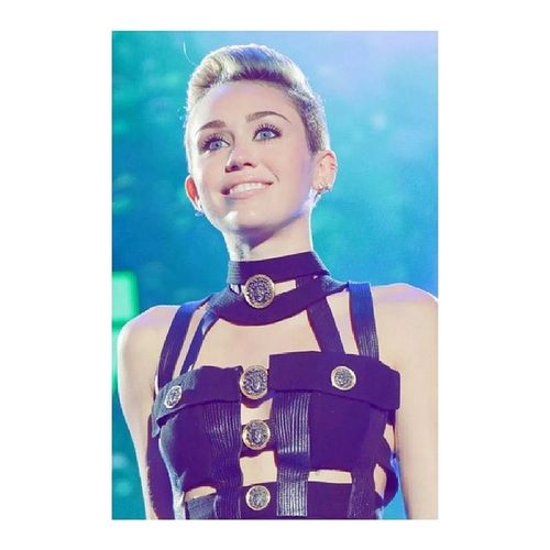 Miley isnt a bad influence, it's not up to her to raise your kids anyway. Mileycyrus Miley Smiler Notabadinfluence loveherpretty