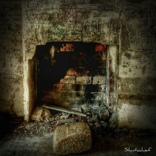 Somosfelices descubriendo viejas hogueras donde arden nuevas pasiones. Taking Photos Streamzoofamily Capturemoment