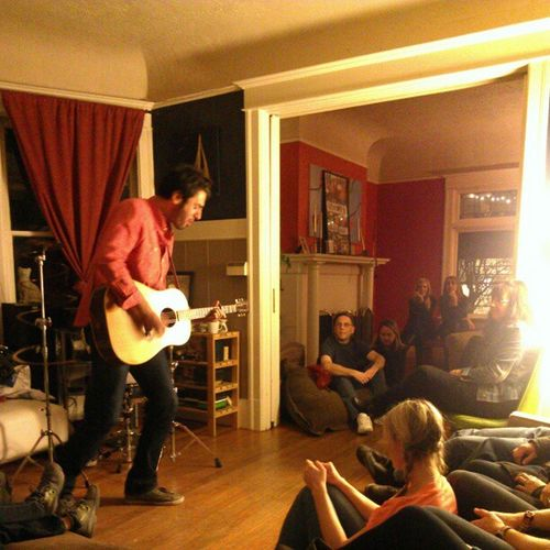 @AriHest House Concert at the @HoytHouse Lazysunday friends and family @thecaseman