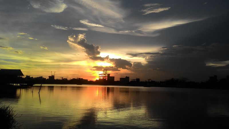 The lost world of clouds Water Sunset Tree Silhouette Reflection Lake Astronomy Dramatic Sky Sky Cloud - Sky Storm Cloud