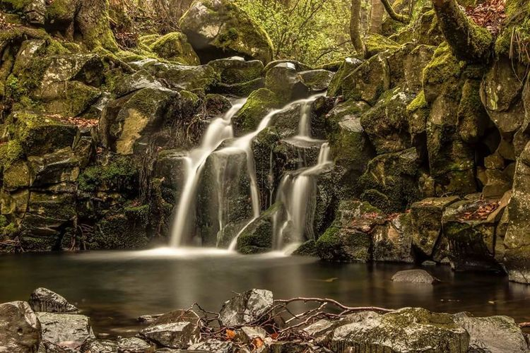 Chilling Waterfalls Water Nature