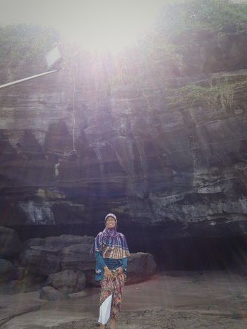 At tanah lot Cheese! Hello World Check This Out Hi! Taking Photos First Eyeem Photo Enjoying Life Relaxing That's Me Hanging Out beach