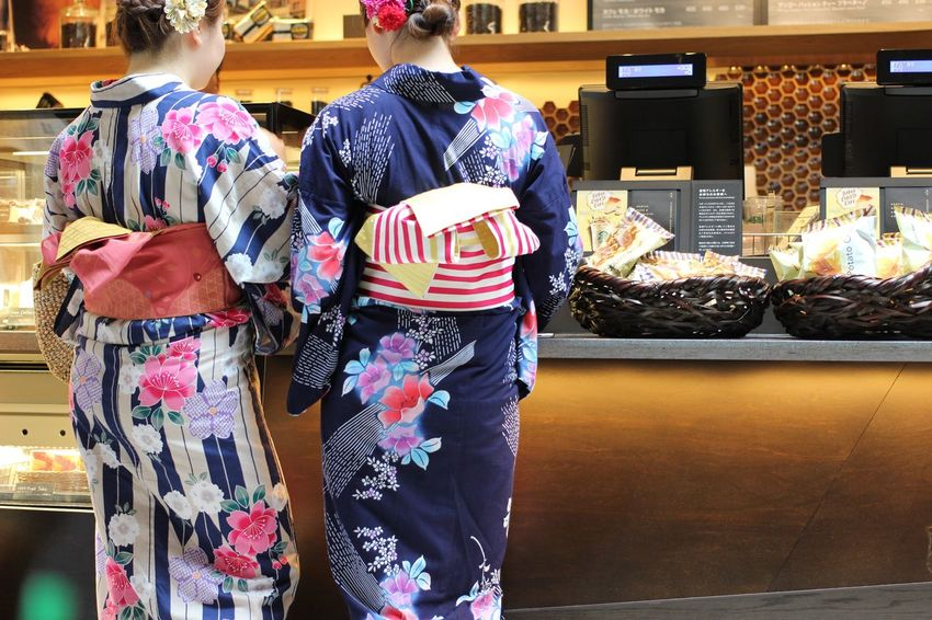 Cafe Teatime Starbucks Japan Real People Retail  Store Women Rear View Two People Kimono Togetherness Friendship Day Customer  Indoors