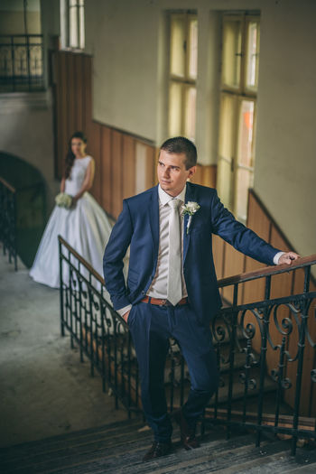 🤵👰 Fujifilm Fujifilm_xseries Xpro2 The Week on EyeEm Love Couple Wedding Groom Bridge Two People Politics And Government Businessman Men Full Length Well-dressed Business City Steps And Staircases Mature Men Stairs