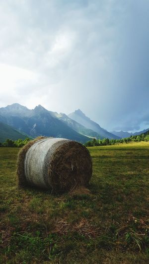 Agriculture Mountain Field Nature No People Outdoors Landscape Day Beauty In Nature Sky