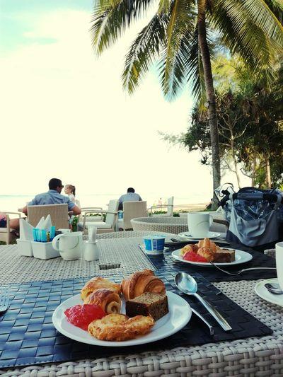 Nature Thailand Travel Destinations Outdoors Beauty In Nature Breakfast Time Petit Dejeuner Sea Palmiers 🌴👣 Calme Calme Visual Feast