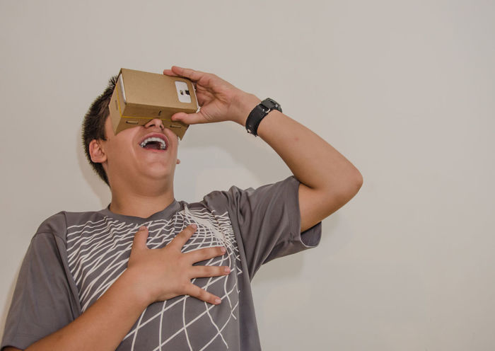 Amazed Amazing Android Carboard Cardboard Box Electronics  Emotions Future Google Cardboard Internet IPhone Modern Samsung Samsung S5 Smartphone Stonned Surprised Technology Virtual Virtual Reality Virtual Reality Simulator Vr Young Young Boy Youtube