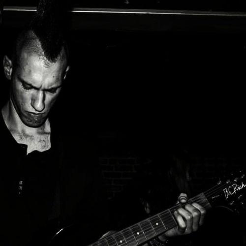 Our Rhythmguitarist Austin! Rhythmguitar Guitarplaying Guitarist liveinconcert metalguys metalguitar bcrichwarlock bcrichguitars gothicmetal menofmetal guitarsofinstagram metalheadsofinstagram instametal