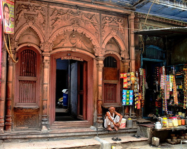 Delhi India Paharganj Typical Architecture Building Exterior City Day One Man Only One Person Outdoors People Scene Sitting Street Streetphotography