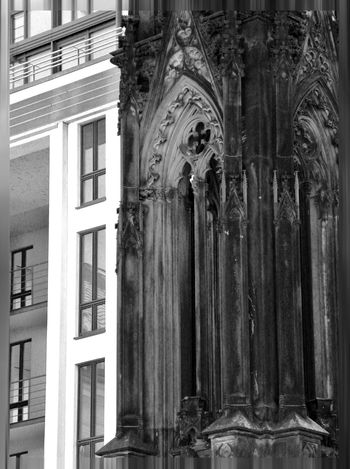 Architecture Blackandwhite Building Exterior Built Structure Close-up Day Kontrast New No People Old Outdoors