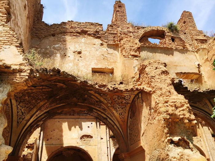 BELCHITE'S SHAMBLES-SPAIN Hello World Check This Out Taking Photos