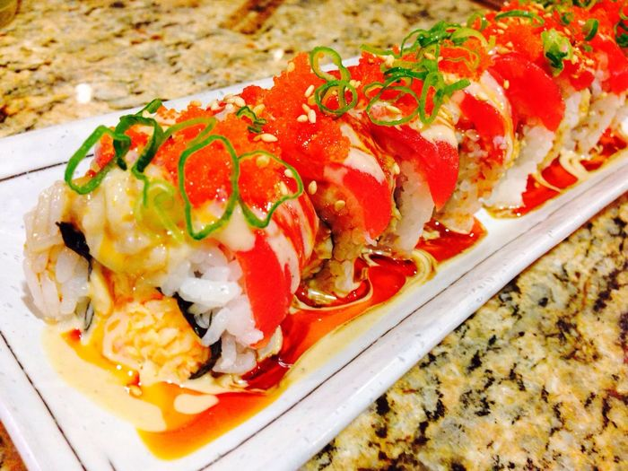 Precision Intricate Sushi Food Art so precise on how they make these make these rolls