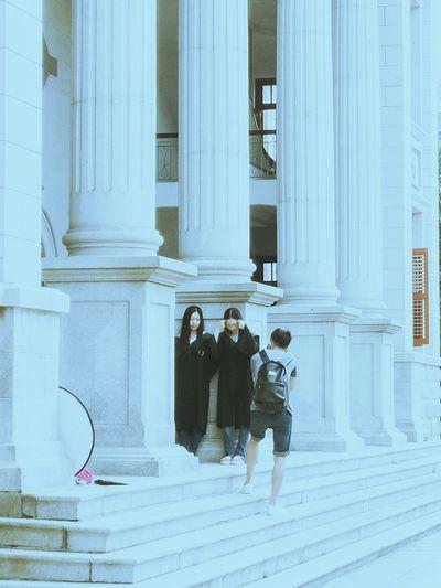Graduation Graduation Season Graduation Dress At University On Campus Architecture Roman Column Great Hall Auditorium University