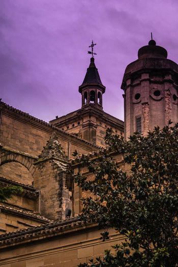 Navarra Viana EyeEmNewHere EyeEm Selects Exceptional Photographs The Week On EyeEm Travel Destinations Architecture No People Illuminated Outdoors Building Exterior Tree Politics And Government Day Sky Clock Face