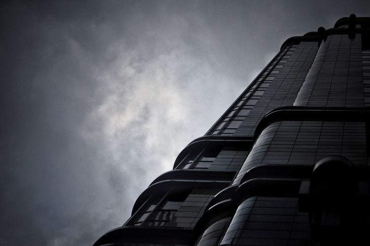 Dark City Look Up Looking At Camera Architecture And Art Architecture Photography Architecture_collection Architecture Architecture Built Structure Building Exterior Cloud - Sky No People Building Tall - High Tower Storm Overcast Architecture Built Structure Building Exterior Cloud - Sky No People Building Tall - High Tower Storm Overcast