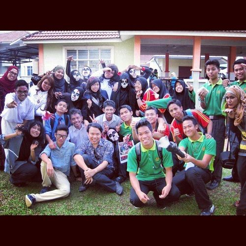 Cause this is my first year drama team 2012. The Elevator is the best drama among 2012-2014. Really miss them. I admit @fitribad is one of the best director ever. Love yaaa. Tb Dramateam2012
