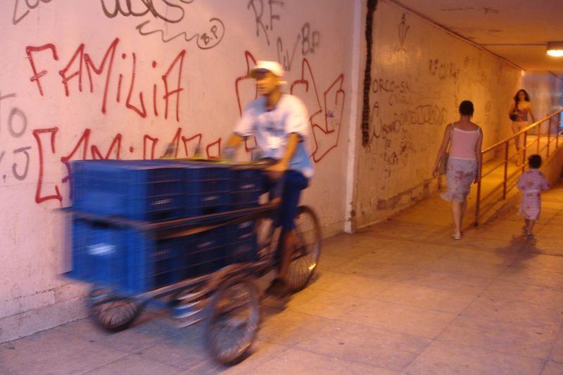 bike delivery, rio de janeiro Brazil Rio De Janeiro Bike Carioca Devin Delano Homens Men Testosterone
