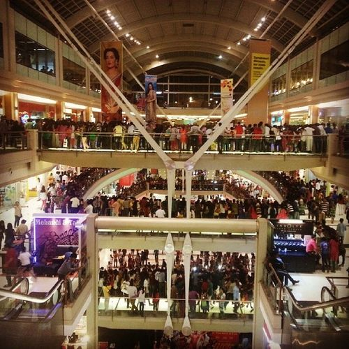 Korum Mall Thane Mad crowdinstamumbaiinstathane