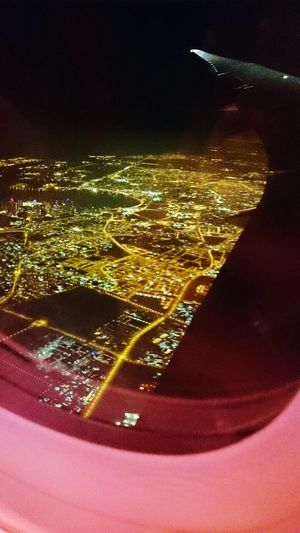 Up up in the air! Lights Brightlights Seaoflights Fromabove Viewfromabove Ontheplane Viewfromtheplane Singaporeairlines CityOfLights  Jeddah Saudiarabia