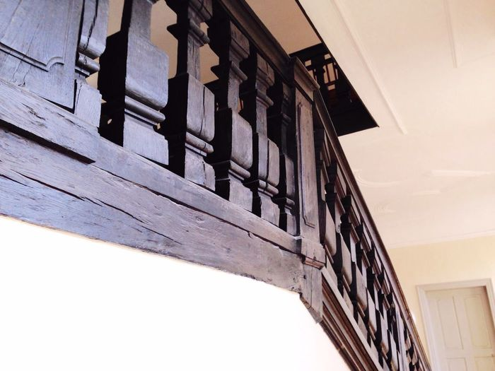 Treppenhaus No People stairway browne braun Holz wood stairs