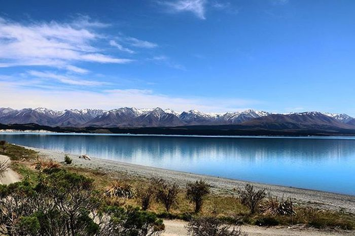 That ice capped mountain and blue lake combination Nzmustdo NZ Christchurch Mountcook Travel Laketekapo Newzealand Canon Canonphotography Canon_photos Canon760D Awesome_earthpix Kiwi_photos