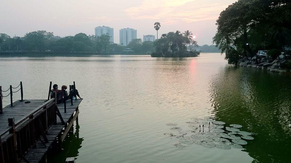 Learn & Shoot: Balancing Elements Enhance Kandawgyi Kandawgyi Park Enhanced Showcase March Sunset Sunset_collection Sunset Silhouettes Lake View Bridge in Yangon, Myanmar
